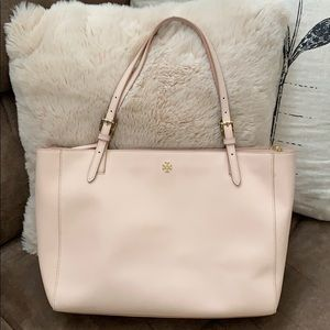 Tory Burch Tote. The perfect everyday bag!